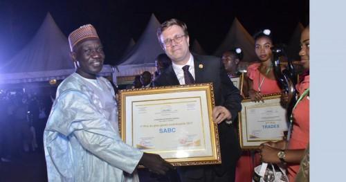Cameroun : le groupe SABC désigné 1ère « entreprise citoyenne » pour avoir payé 25,954 milliards FCFA de droits de douane