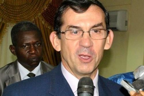 La France annonce son soutien financier pour construire des canaux de collecte des eaux dans trois régions du Cameroun