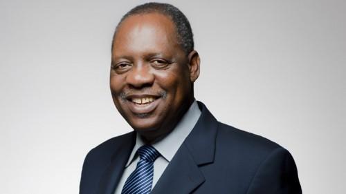 Le Camerounais Issa Hayatou décroche le sponsoring du football africain par Total, pour les 8 prochaines années