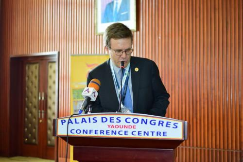 Die französisch-kamerunische Zusammenarbeit wurde auf dem Salon Promote vom CEO der SABC-Gruppe, Präsident der französischen Außenhandelsberater, verstärkt
