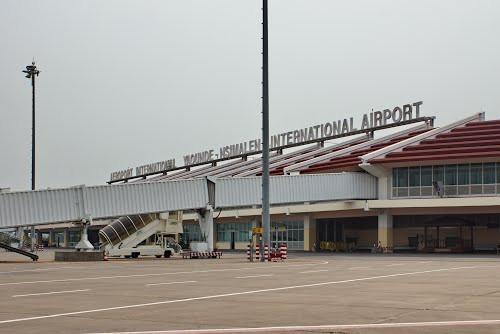 Der Staat Kamerun wird Landtitel, die auf Flughafengebieten festgelegt wurden, stornieren