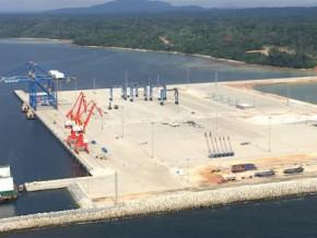 le-terminal-a-conteneurs-du-port-en-eau-profonde-de-kribi-pourra-accueillir-les-1ers-bateaux-commerciaux-des-le-1er-mars-2018
