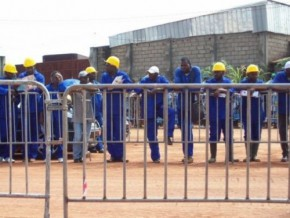 nouvelle-grogne-des-ouvriers-sur-le-chantier-de-construction-du-barrage-de-memvé'élé-au-sud-du-cameroun