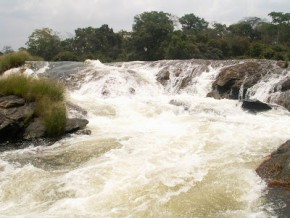 l-etat-du-cameroun-concede-a-edf-la-production-d-electricite-sur-le-fleuve-sanaga-pour-35-ans