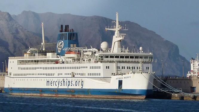 mercy-ships-le-bateau-hopital-international-a-accoste-au-cameroun-pour-un-sejour-de-dix-mois