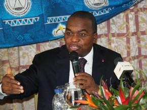 cameroun-une-conference-economique-pour-tenter-de-mobiliser-1000-milliards-de-fcfa-destines-a-financer-15-projets