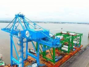 cameroun-le-port-de-douala-inaugure-un-3eme-portique-a-faible-emission-de-c02-et-consommant-30-d-energie-en-moins