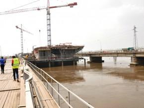 le-pont-sur-le-wouri-va-accueillir-ses-premiers-vehicules-le-31-decembre-2017