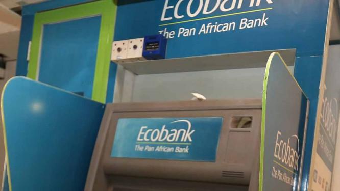 ecobank-cameroon-lance-des-retraits-sans-carte-sur-ses-distributeurs-automatiques-de-billets