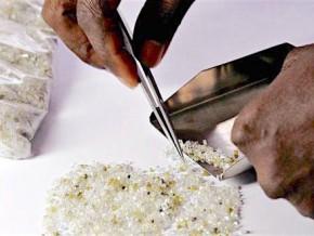 des-experts-du-processus-de-kimberly-enquetent-sur-le-trafic-des-diamants-centrafricains-a-l-est-cameroun