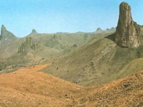 cameroun-la-banque-mondiale-soutient-un-projet-de-production-de-paves-a-base-de-granite-dans-la-region-de-l-adamaoua
