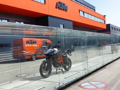 KTM Cameroun construira une unité d'assemblage de motos et tricycles dans la ville de Douala