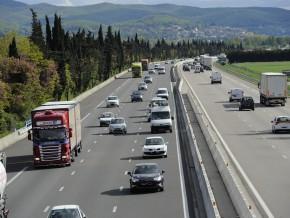 appel-d'offres-pour-des-études-de-faisabilité-pour-plus-de-350-km-d'autoroutes-au-cameroun