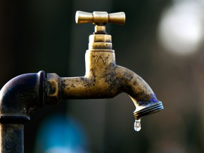 la-camerounaise-des-eaux-a-réalisé-3004-branchements-à-tarifs-réduits-dans-la-ville-de-douala-depuis-le-début-de-cette-année