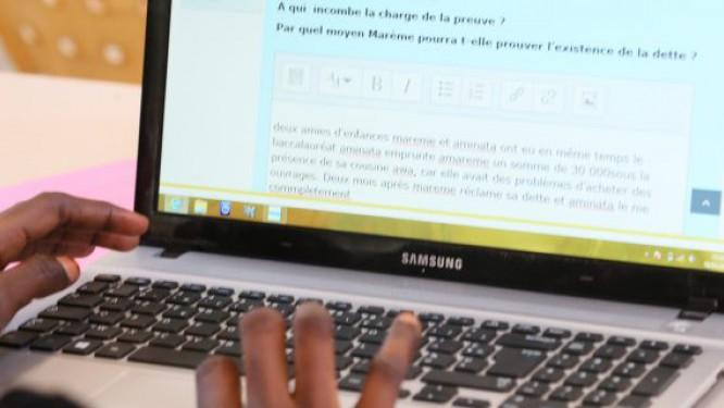 la-remise-des-500-000-ordinateurs-promis-par-paul-biya-finalement-programmee-pour-novembre-2017-gouvernement