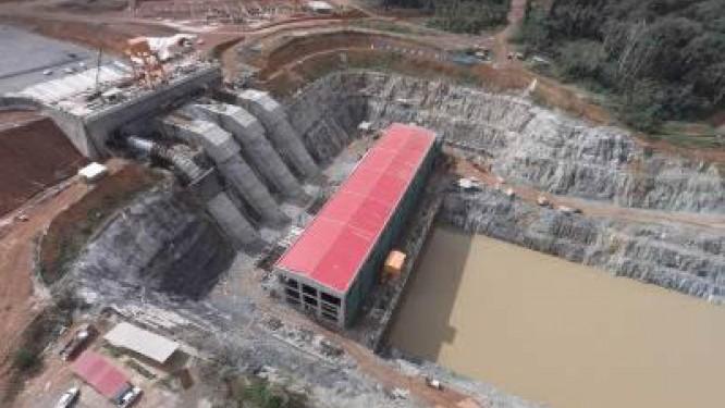 des-archeologues-decouvrent-un-site-paleometallurgique-dans-la-zone-du-barrage-de-memve-ele