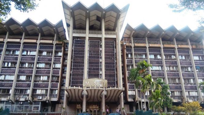le-cameroun-lance-une-etude-en-vue-notamment-d-inflechir-les-couts-des-transferts-de-fonds
