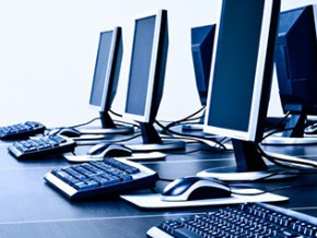 le-ministere-de-l-enseignement-superieur-donne-les-raisons-du-retard-dans-la-distribution-des-500-000-ordinateurs-promis-aux-etudiants-par-paul-biya