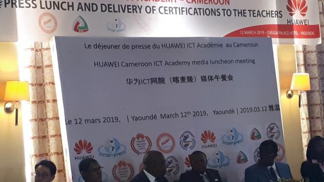 huawei-ict-academy-livre-au-cameroun-sa-premiere-cuvee-de-dix-enseignants-certifie