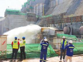 a-fin-novembre-2020-les-travaux-de-l-usine-de-pied-du-barrage-de-lom-pangar-30-mw-a-l-est-du-cameroun-executes-a-23