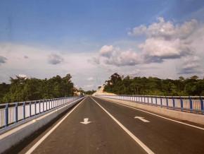 infrastructures-le-chinois-cgcoc-group-livre-un-pont-de-21-1-milliards-de-fcfa-reliant-le-cameroun-au-nigeria