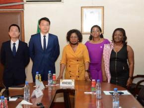 une-delegation-du-groupe-telecoms-huawei-recue-au-ministere-des-enseignements-secondaires
