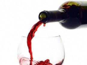une-unite-de-production-de-faux-vins-et-whiskies-demantelee-a-douala-la-capitale-economique-du-cameroun