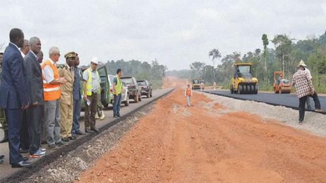 apres-4-ans-de-suspension-suite-a-une-attaque-de-boko-haram-le-cameroun-relance-les-travaux-d-une-route-ouvrant-sur-le-tchad