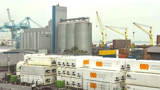 le-port-autonome-de-douala-ecarte-bollore-et-s-adjuge-la-regie-de-son-terminal-a-conteneurs-pour-un-an
