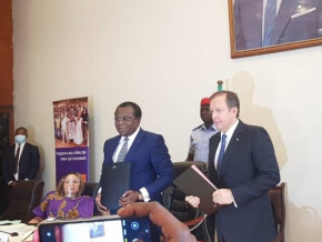 l-operateur-telecoms-orange-s-associe-a-l-etat-pour-ameliorer-le-cadre-et-l-offre-dans-l-education-de-base-au-cameroun