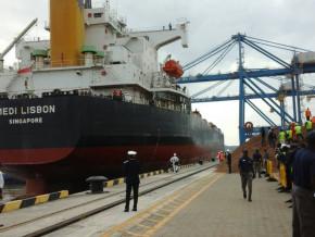 le-port-de-kribi-au-cameroun-a-accueilli-190-navires-de-tailles-variees-venant-de-chine-vietnam-usa-pays-bas-italie