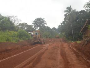 cameroun-le-pidma-utilisera-une-approche-peu-couteuse-pour-rehabiliter-190-km-de-routes-afin-de-desenclaver-les-bassins-de-production