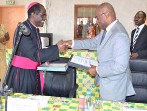 l-afd-debloque-6-millions-d-euros-pour-l-extension-de-l-universite-catholique-d-afrique-centrale