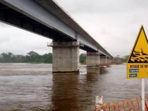 le-pont-sur-la-sanaga-qui-reduit-la-distance-entre-yaounde-et-ngaoundere-de-pres-de-200-km-sera-livre-en-fevrier-2020
