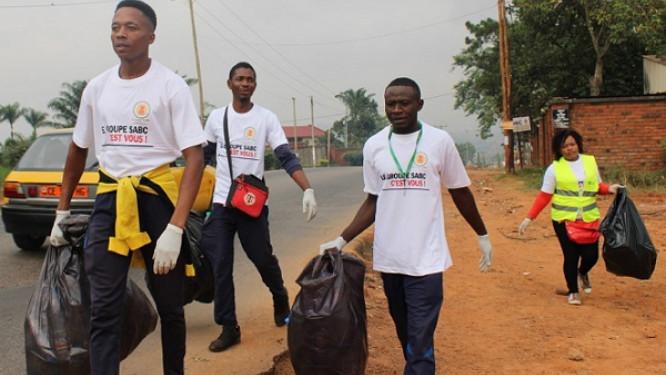 le-brasseur-sabc-et-name-recycling-collectent-plus-de-1-000-kg-de-dechets-dans-les-deux-capitales-du-cameroun