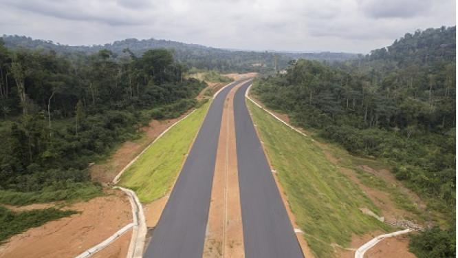 china-first-highway-engineering-promet-la-livraison-des-60-premiers-km-de-l-autoroute-yaounde-douala-en-2020