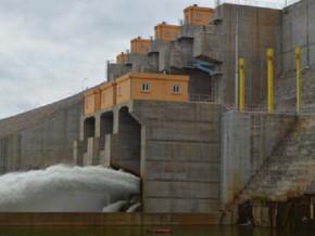 des-debut-2022-la-1ere-turbine-de-l-usine-du-barrage-de-lom-pangar-injectera-7-5-mw-dans-le-reseau-electrique
