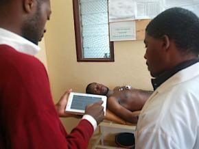 boude-au-depart-le-cardiopad-tablette-medicale-d-arthur-zang-fait-une-percee-dans-les-hopitaux-du-cameroun