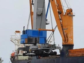 port-de-kribi-kct-acquiert-une-grue-mobile-en-vue-reduire-de-30-a-35-le-temps-d-escale-des-navires