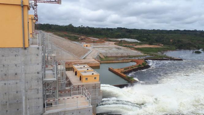 le-gouvernement-camerounais-lance-les-travaux-de-l-usine-de-pied-de-30-mw-a-lom-pangar