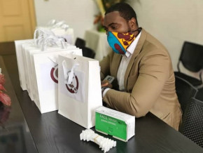 le-pole-technologique-cowork-africa-lance-la-fabrication-des-supports-3d-pour-masques-de-protection-faciale-au-cameroun