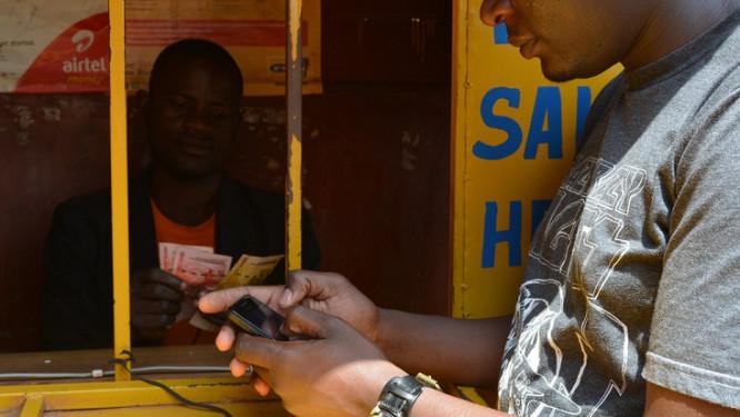 au-cameroun-15-des-jeunes-ages-de-15-ans-et-plus-possedent-un-compte-mobile-money-contre-6-au-nigeria