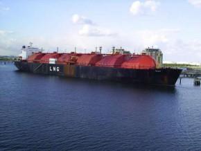 cameroun-l-unite-flottante-de-liquefaction-du-gaz-naturel-au-large-de-kribi-est-fin-prete-pour-la-production