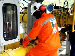 au-final-les-recettes-petrolieres-au-cameroun-baissent-d-a-peine-40-en-2020-contre-70-annoncees-par-la-snh