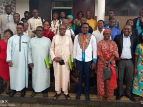 des-journalistes-camerounais-et-des-experts-en-monnaie-et-finance-planchent-sur-la-problematique-du-fcfa