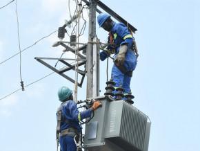 eneo-va-installer-30-transformateurs-pour-reduire-les-delestages-electriques-a-dschang-dans-l-ouest-cameroun