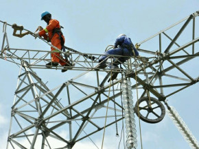 en-2018-l-electricien-camerounais-veut-connecter-un-demi-million-de-personnes-supplementaires-au-reseau-electrique