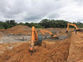 sous-pression-les-exploitants-miniers-en-activite-au-cameroun-entreprennent-les-travaux-de-restauration-du-sol