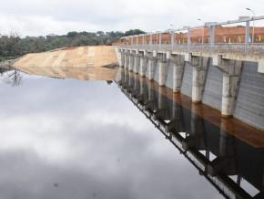 la-construction-de-ligne-d-evacuation-d-energie-de-l-amenagement-hydroelectrique-de-memve-ele-executee-a-55