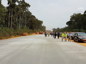 cameroun-soupcons-de-detournement-et-corruption-autour-du-projet-autoroutier-kribi-lolabe-d-un-montant-de-250-milliards-fcfa